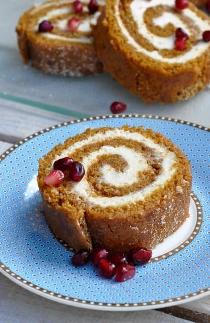 This healthy pumpkin roll is the perfect guilt-free holiday treat!